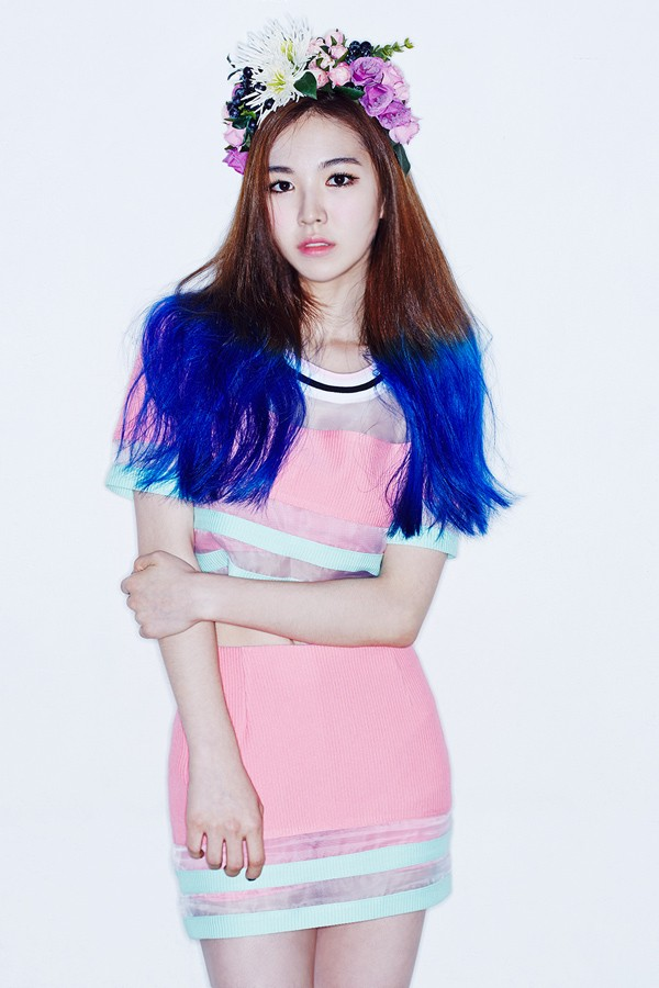 "Wendy made her debut with this hairstyle on ""Happiness"""