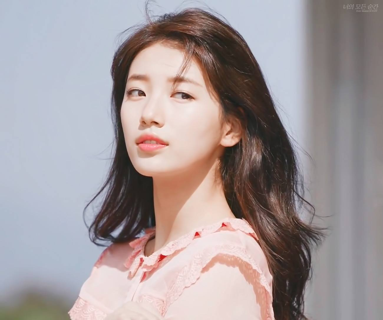 8 Photos From Each Year Of Suzy's Career Proves She's Only