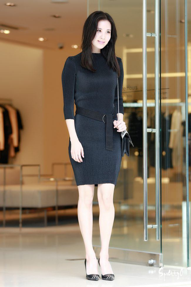 Seohyun is stunning in this LBD