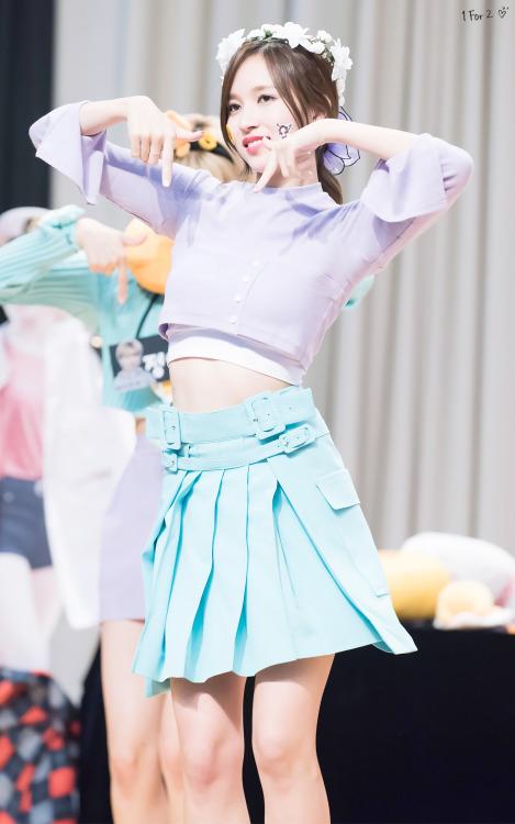 Mina's abdominals are no joke.