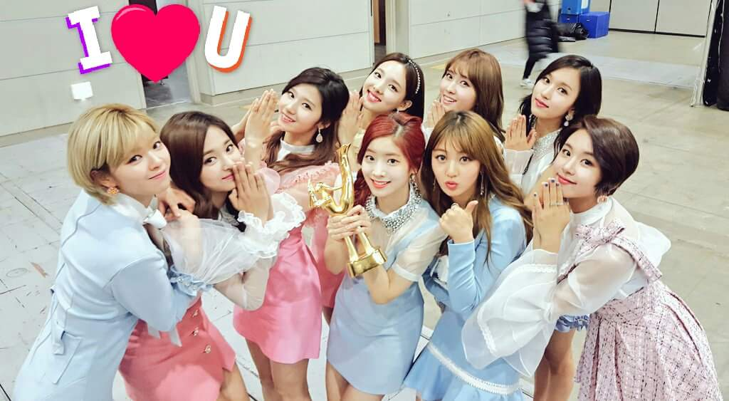 Congratulations to TWICE on their Daesang!