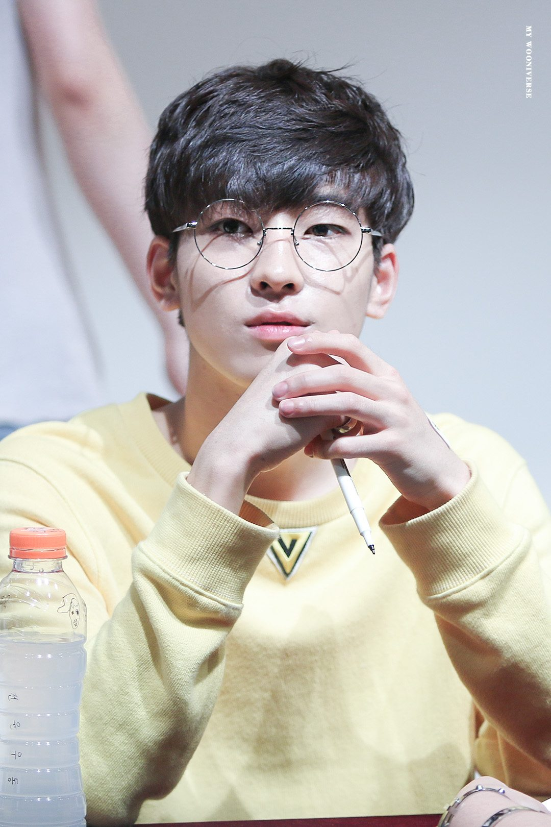 Seventeen's Wonwoo should wear glasses more often.