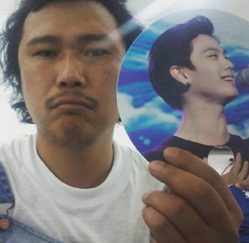 Yook Joongwan shows support for his relative, BtoB's Yook Seongjae.