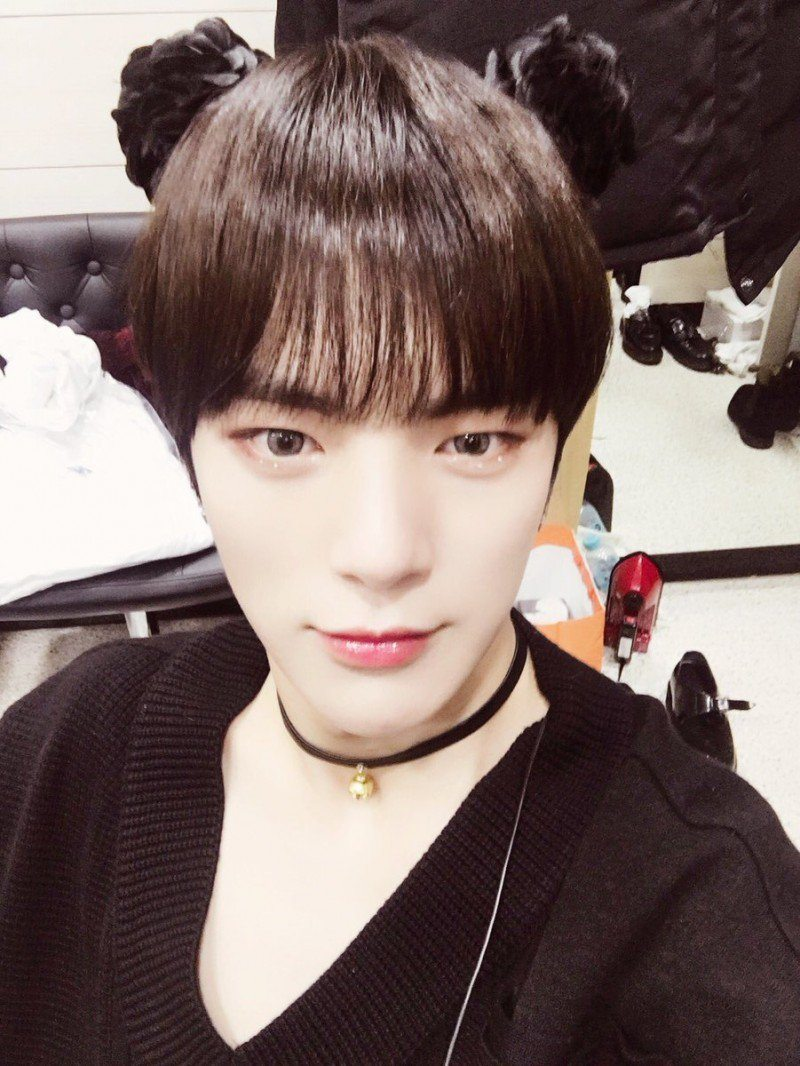 MONSTA X's Minhyuk Shows That This Hairstyle Is Not Just ...
