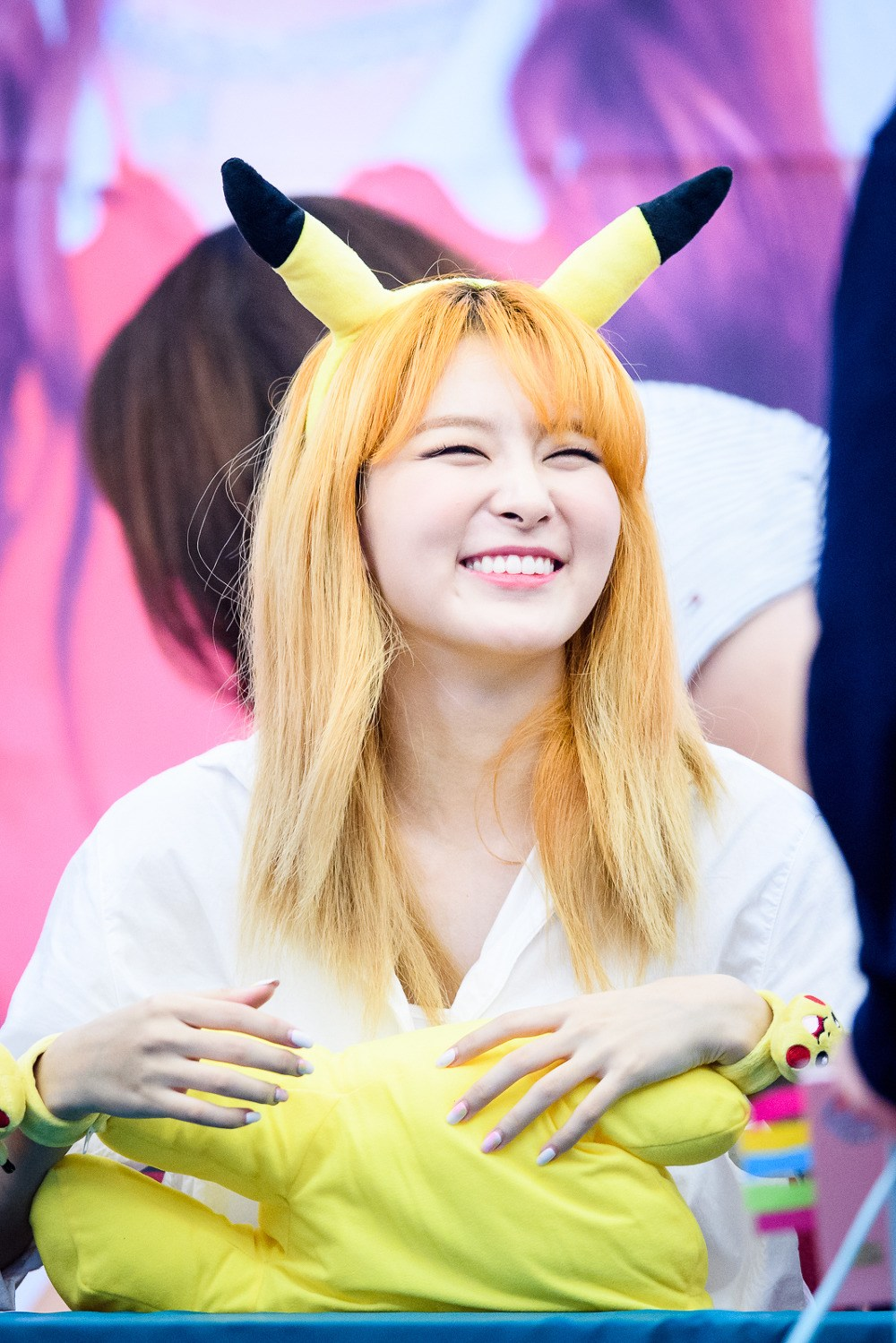Red Velvet's Seulgi at a fan signing. // Source:Gallrof