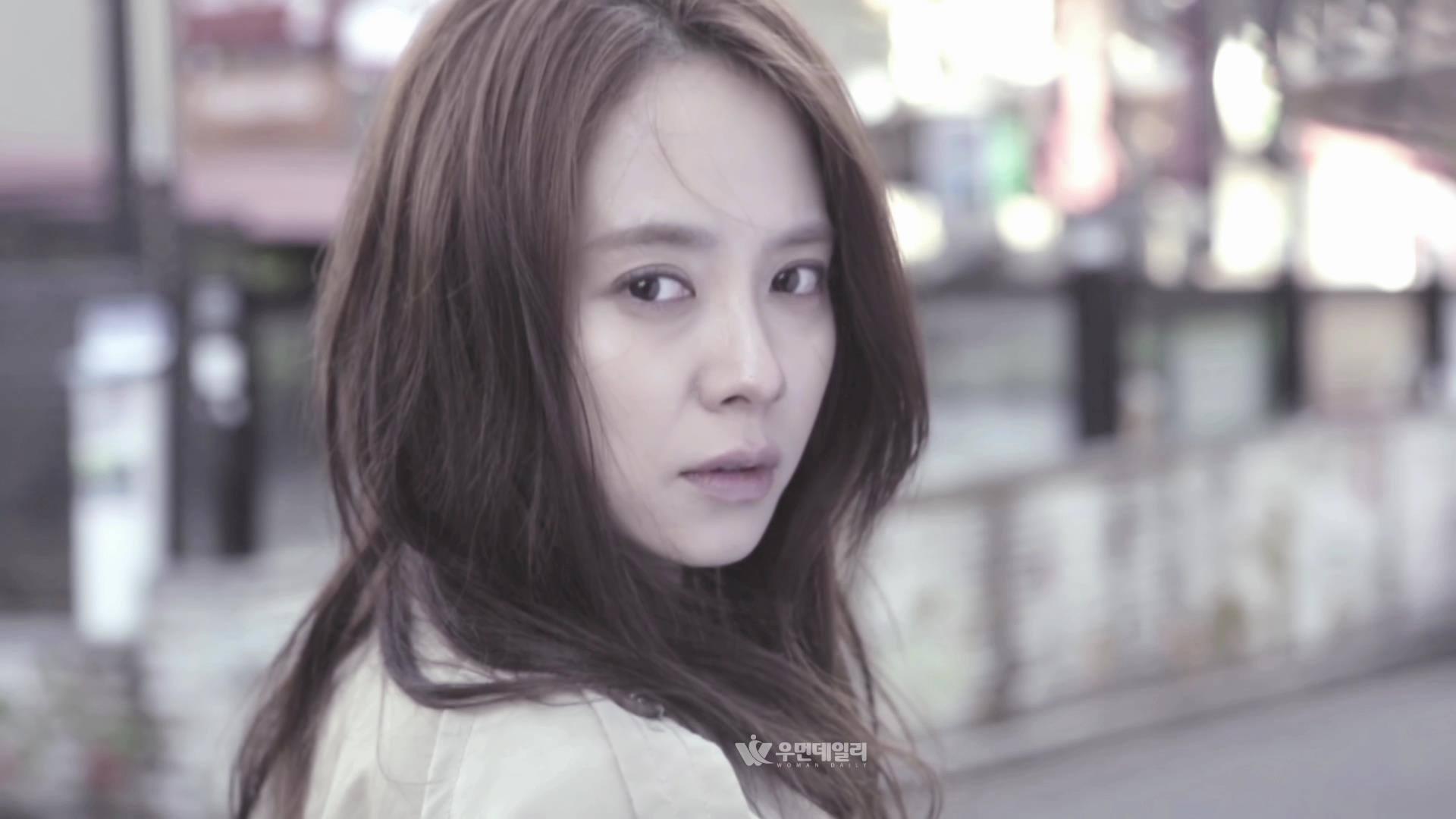Dianggap ambil kesempatan ke atas sifat penakut Song Ji Hyo, Running Man dikecam netizen