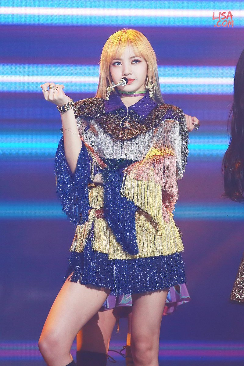 Fans Canu0026#39;t Get Enough Of Lisa In This Rainbow Colored Outfit u2014 Koreaboo