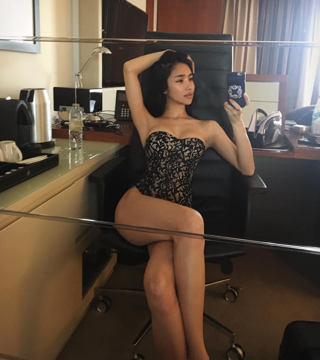 Meet this gorgeous korean model living in dubai koreaboo for Living with models