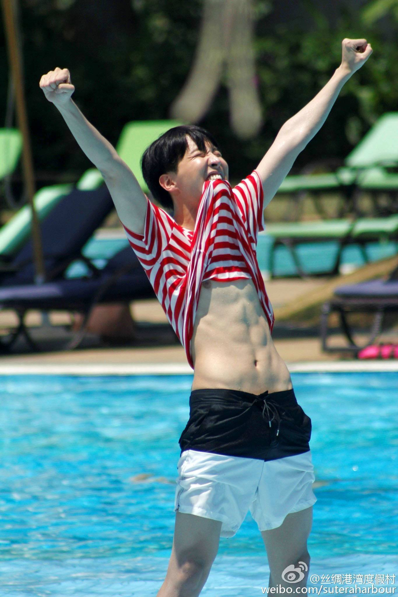 Fans lose their minds over J-Hope's wet shirt - Koreaboo