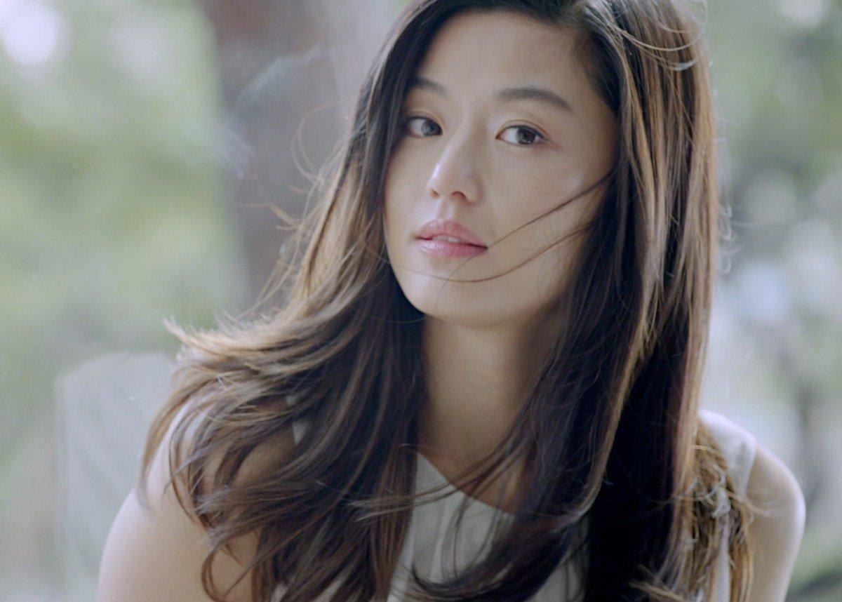 Ji-hyun Jun Nude Photos 18