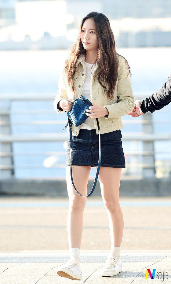Krystal Jung Abs Fans notice Krystal ap...