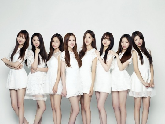 Fans stunned over Lovelyz not wearing safety shorts in this performance