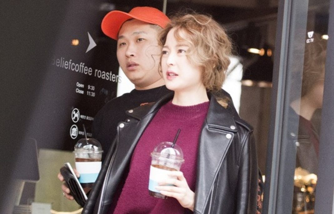 Swings And His Stunning Girlfriend Spotted On A Date