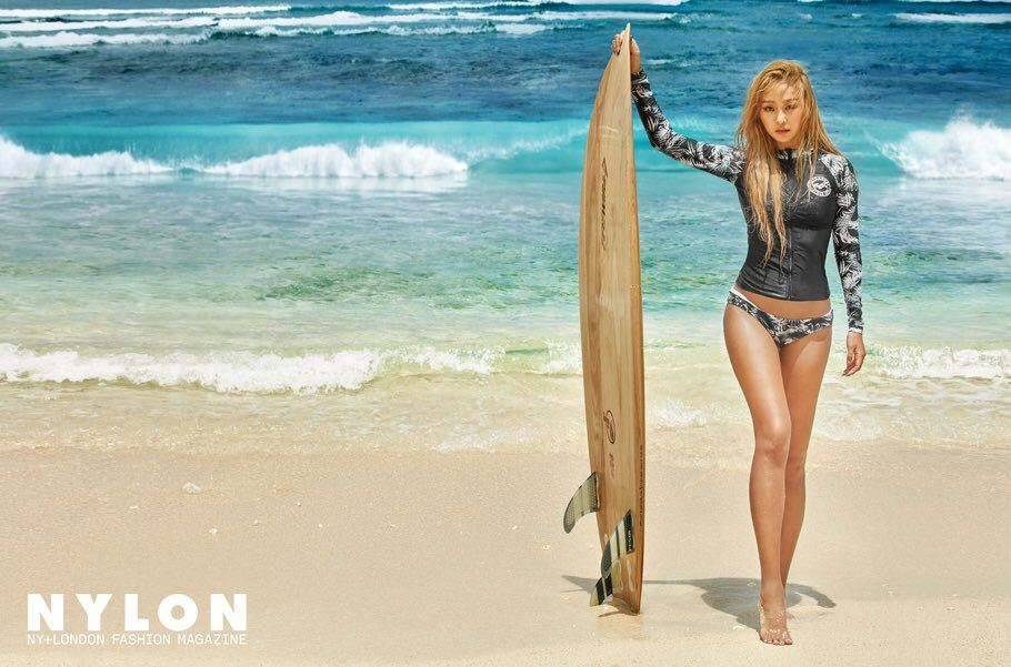 Hyolyn Shows Off Her Perfect Figure In Sexy Beach Pictorial