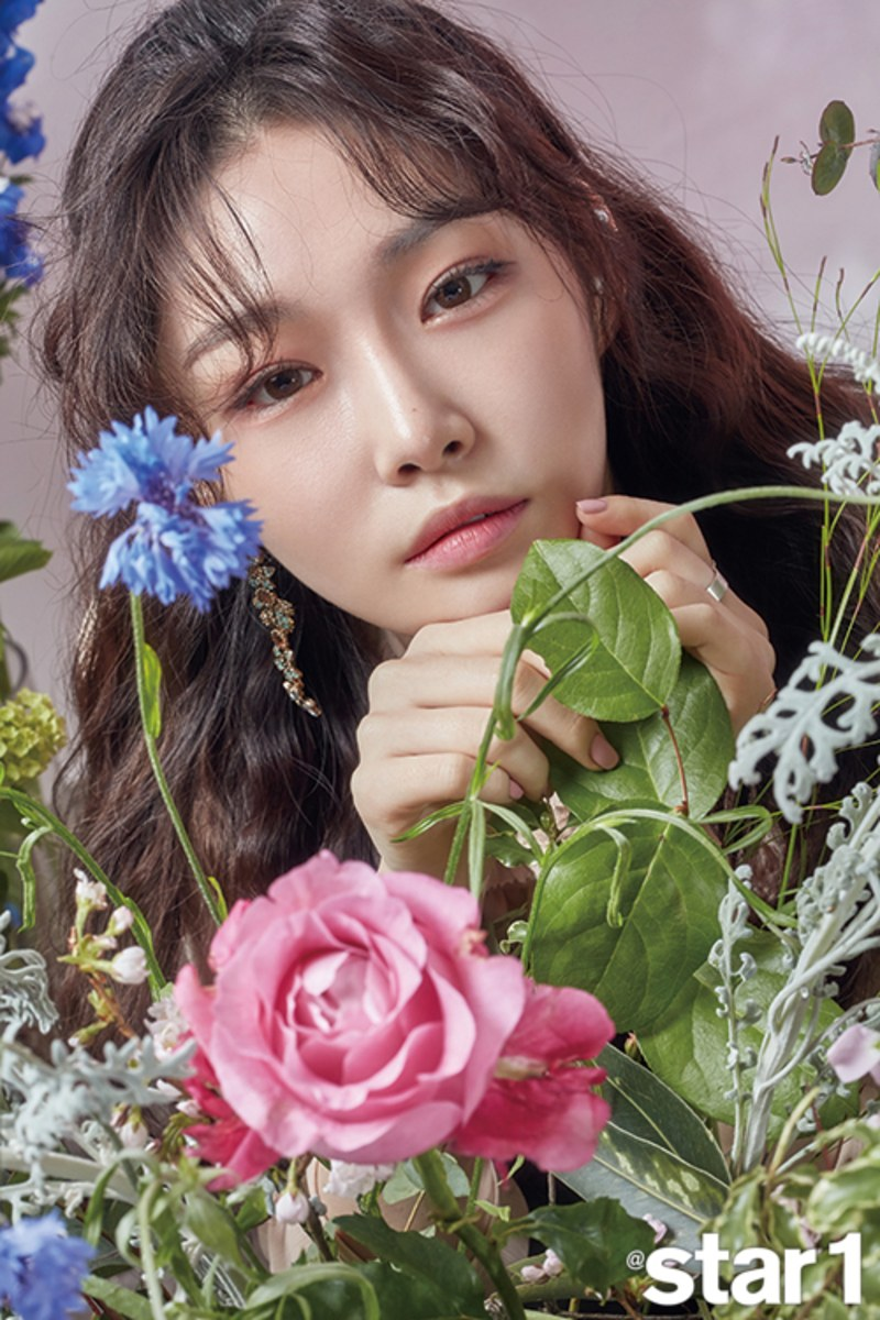 Kim Chungha is gorgeous in latest photoshoot for Star1 ...