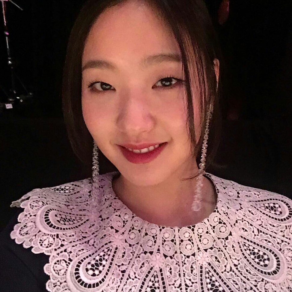 Kim Go Eun uploads a selfie with a hand-drawn portrait of herself