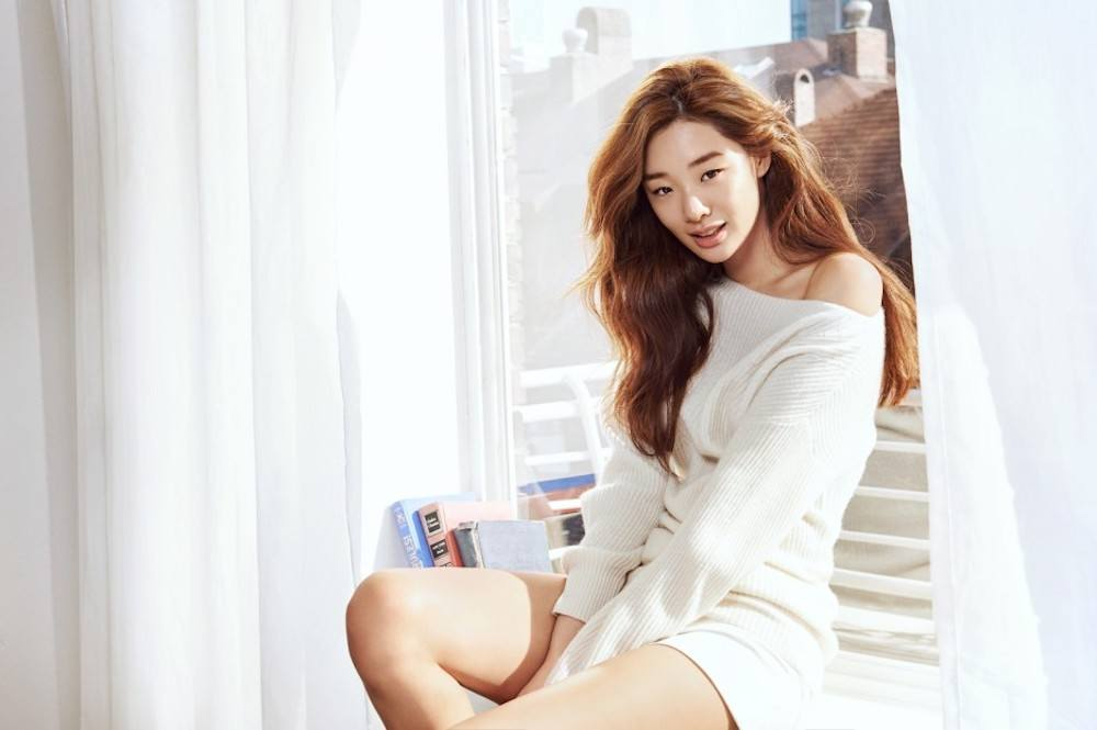 Stephanie Lee Officially Leaves YG Entertainment