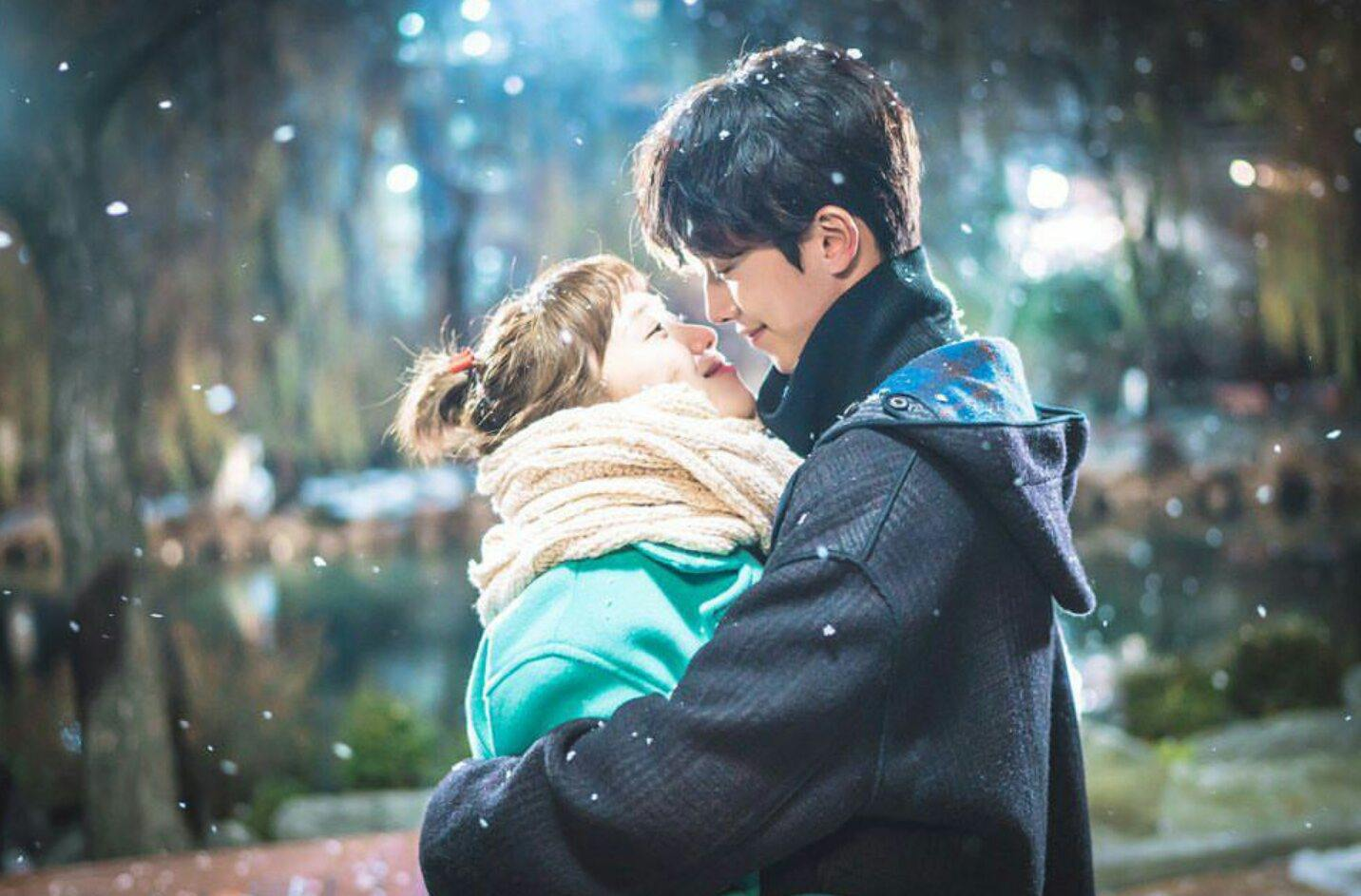 4 Reasons Why Fans Knew Lee Sung Kyung and Nam Joo Hyuk Were Dating Before It Was Announced