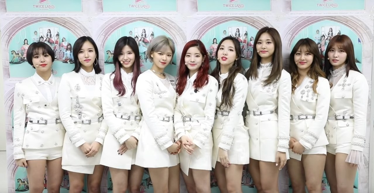 Twice To Hold First World Tour in Singapore