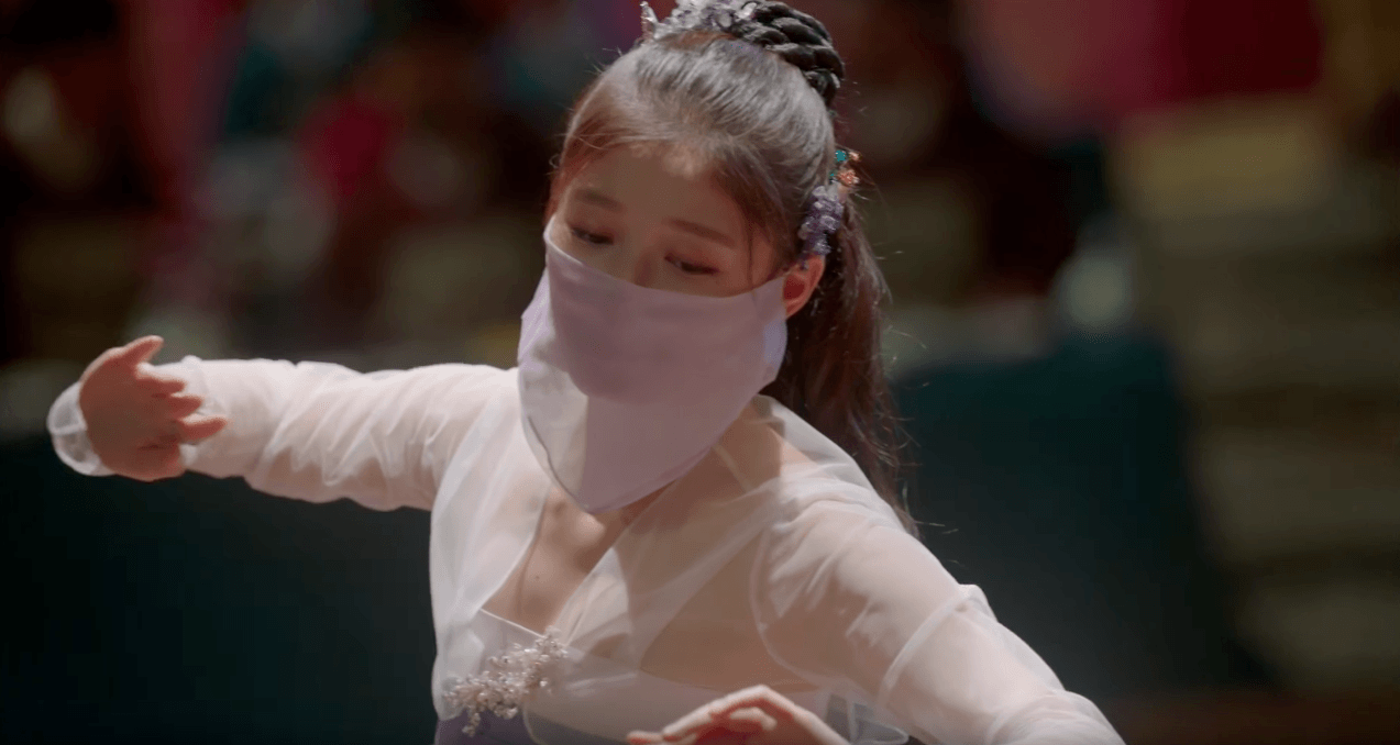 "Kim Yoo Jung Practiced For Months For Her Dance Scene in ""Love in the Moonlight"""