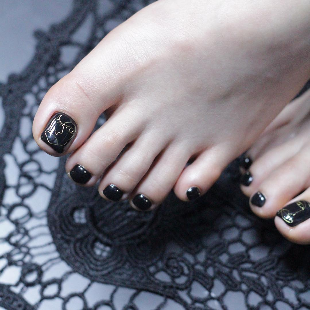 Wearing Nail Art Made of Metal is Seoul\'s Hottest Fashion Trend ...