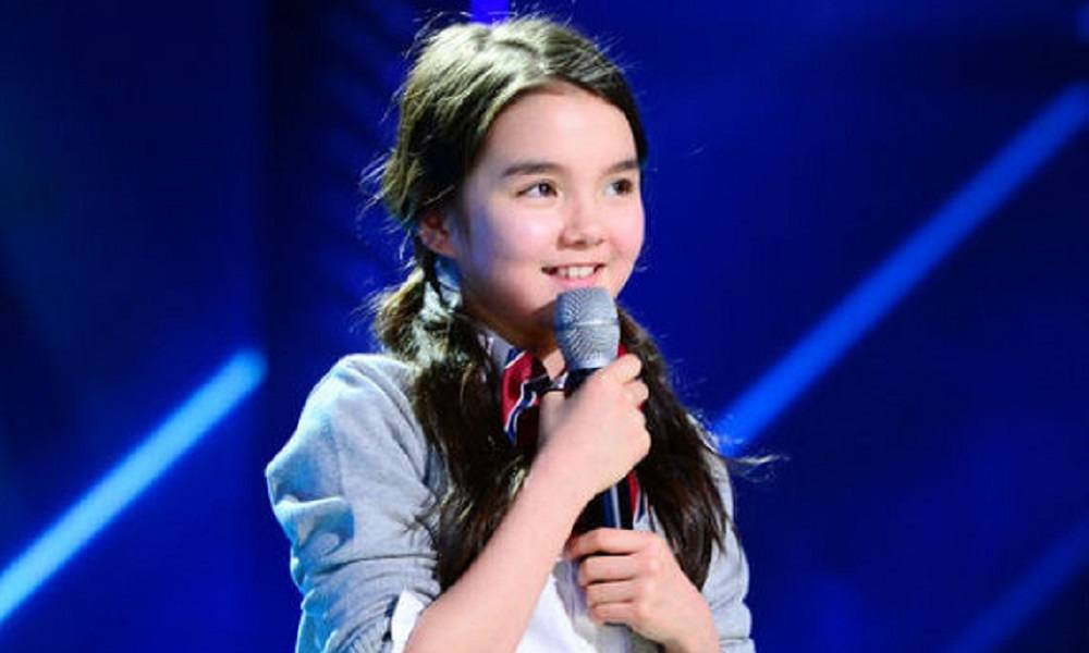 This 11-Year-Old Girl Just Signed An Exclusive Contract With YG Entertainment