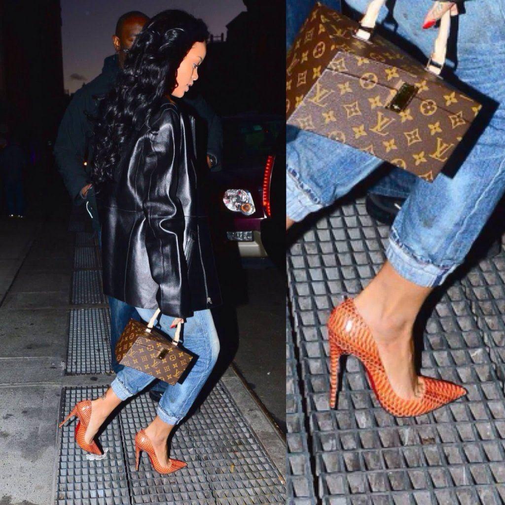 Penampakan Ini Buktikan Kekuatan Wanita Ber-High Heels -           penampakan,buktikan,kekuatan,wanita,ber-high,heels