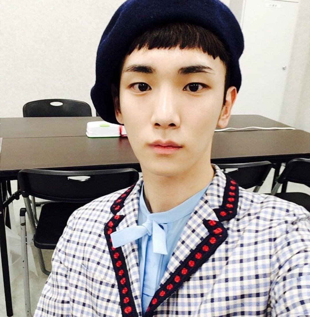SHINee Key Shares Photo Of Completely Burned $1500 Gucci ...