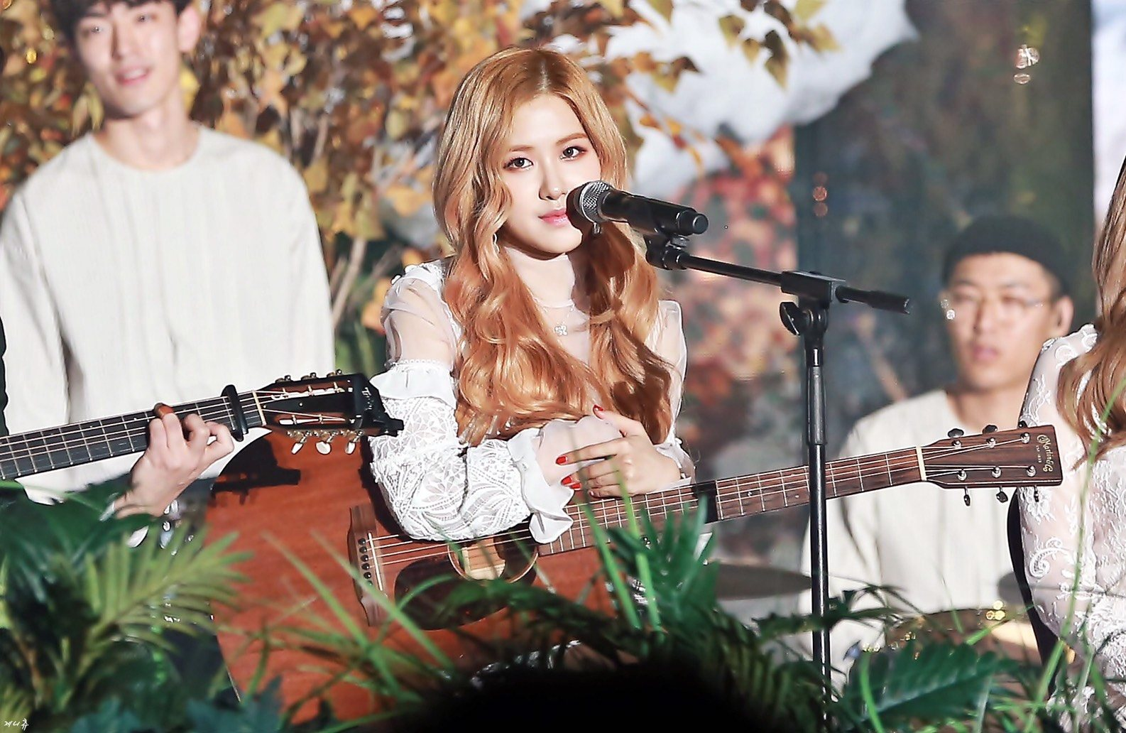 BLACKPINK Rosé performed A Beautiful Acoustic Cover Of WINNERs Really Really