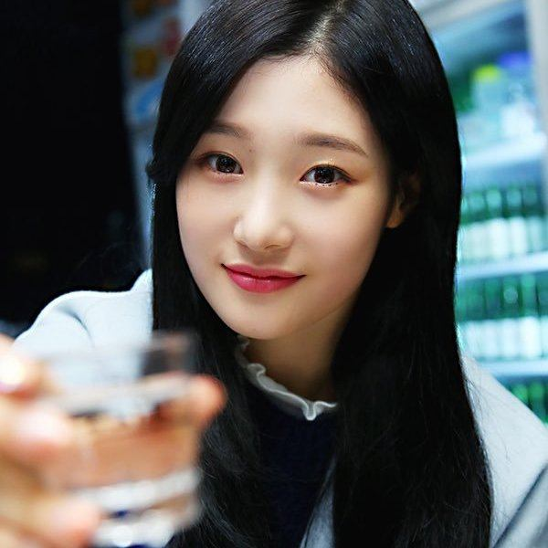 DIAs Heeyun Accidentally Admits Chaeyeon Often Drinks Alone