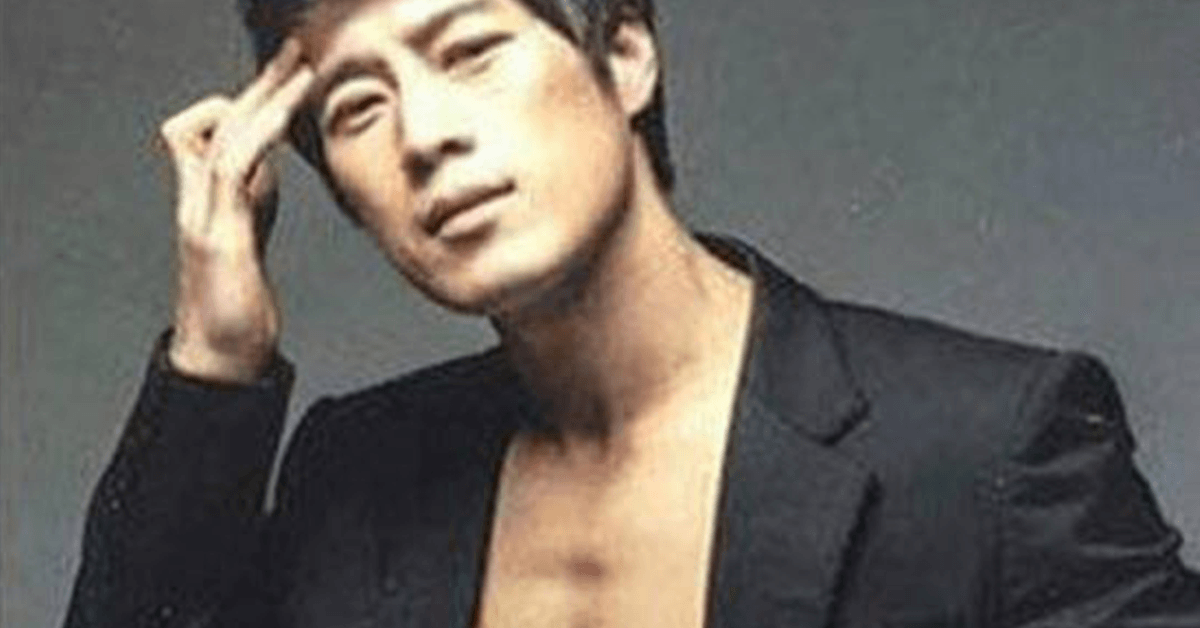 Netizen Detectives Found Shirtless Photos Of The Korean Presidents Bodyguard
