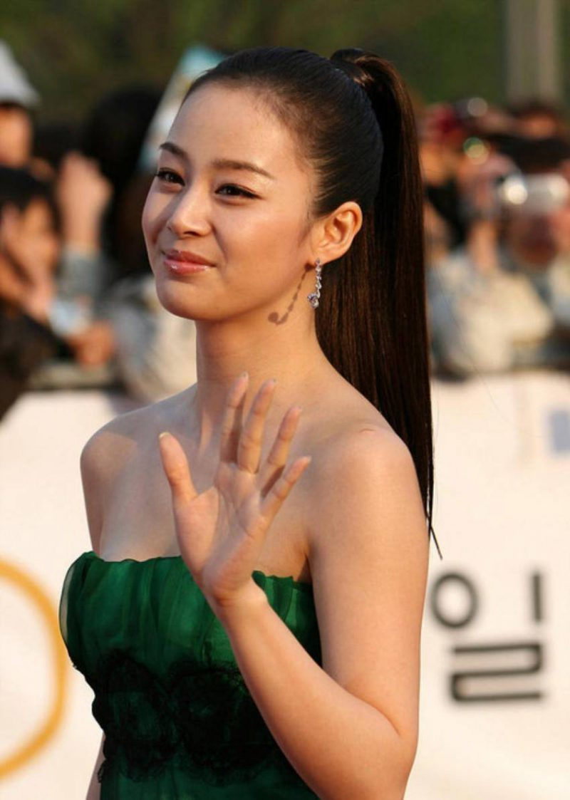 35 Glamorous Wedding Nail Art Ideas For 2019: 11 Korean Actresses You Won't Believe Are Over 30 Years