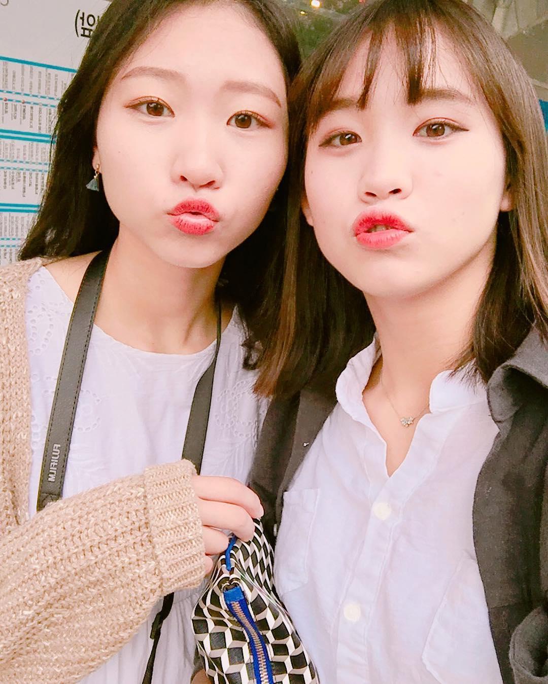 This Korean Girl Looks Like Your Average High Schooler ...