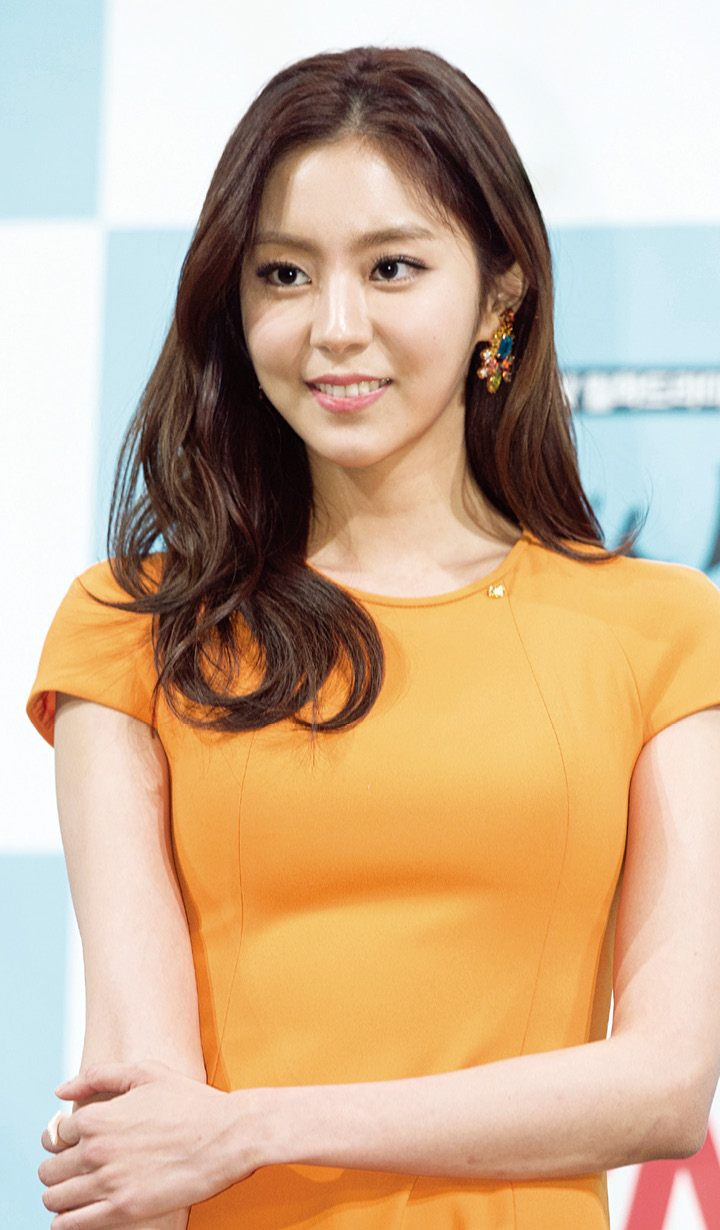 After Schools Uee leaves group after 8 years