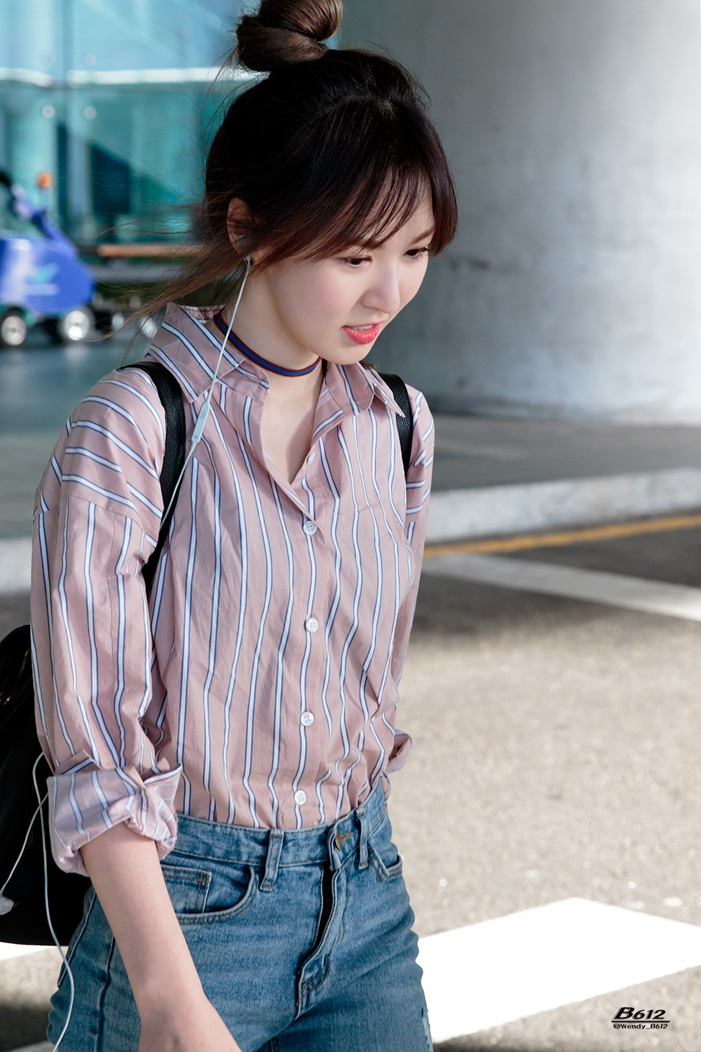 Wendy Channels Her Inner Tiffany With Latest Airport
