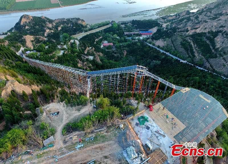 Chinas 500-Meter Glass Slide Is As Beautiful As It Is Terrifying