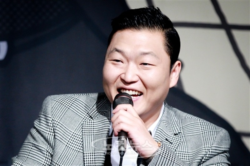 PSY Receives Diamond Play Button from YouTube for Reaching 10 million Subscribers