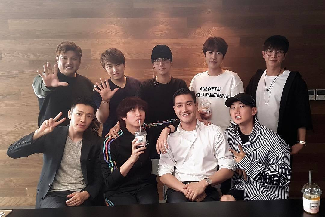 Super Junior Reunites For A Group Picture Featuring Most Members