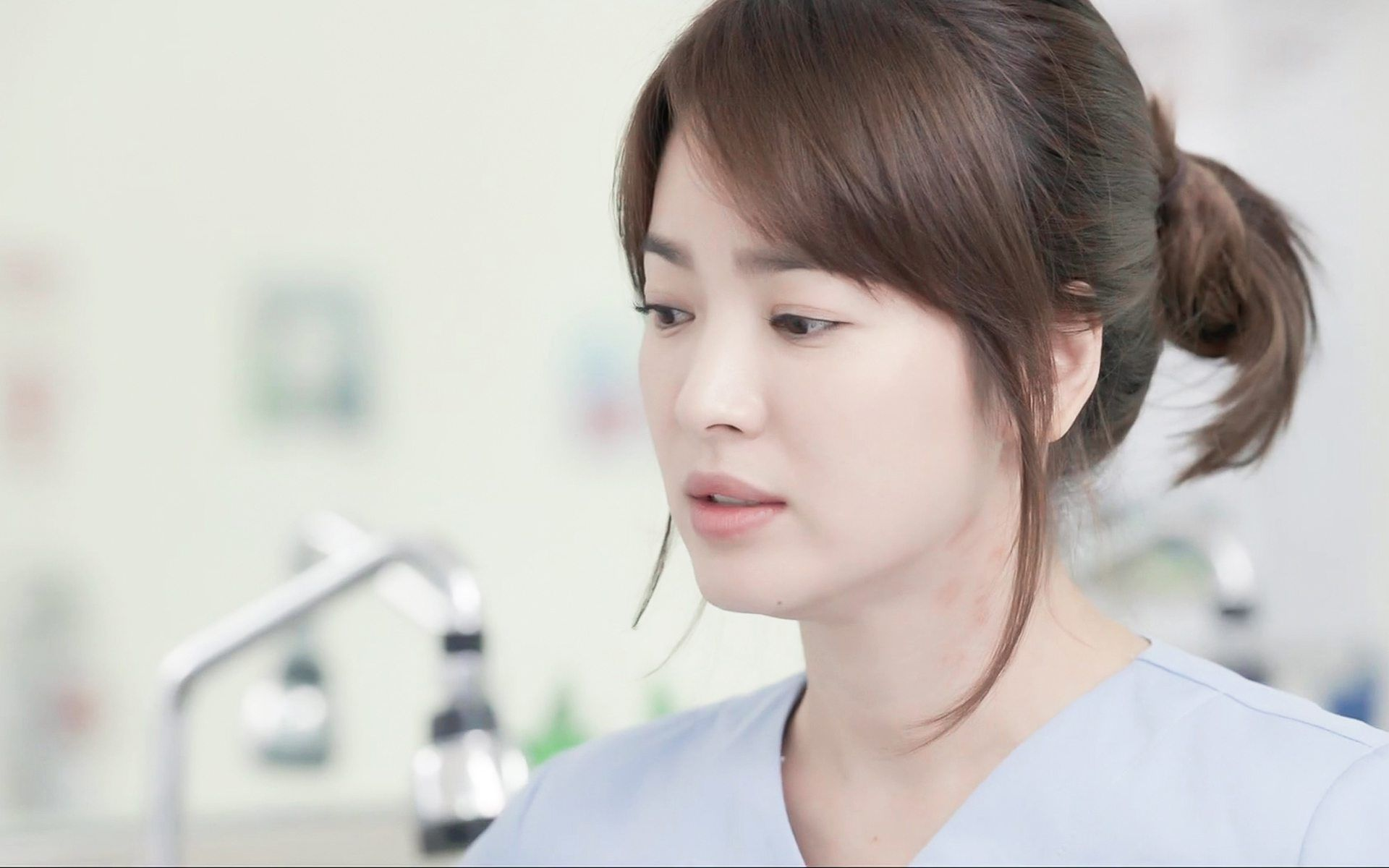 Song Hye Kyo Spotted Rocking A Fresh New Hairstyle Koreaboo