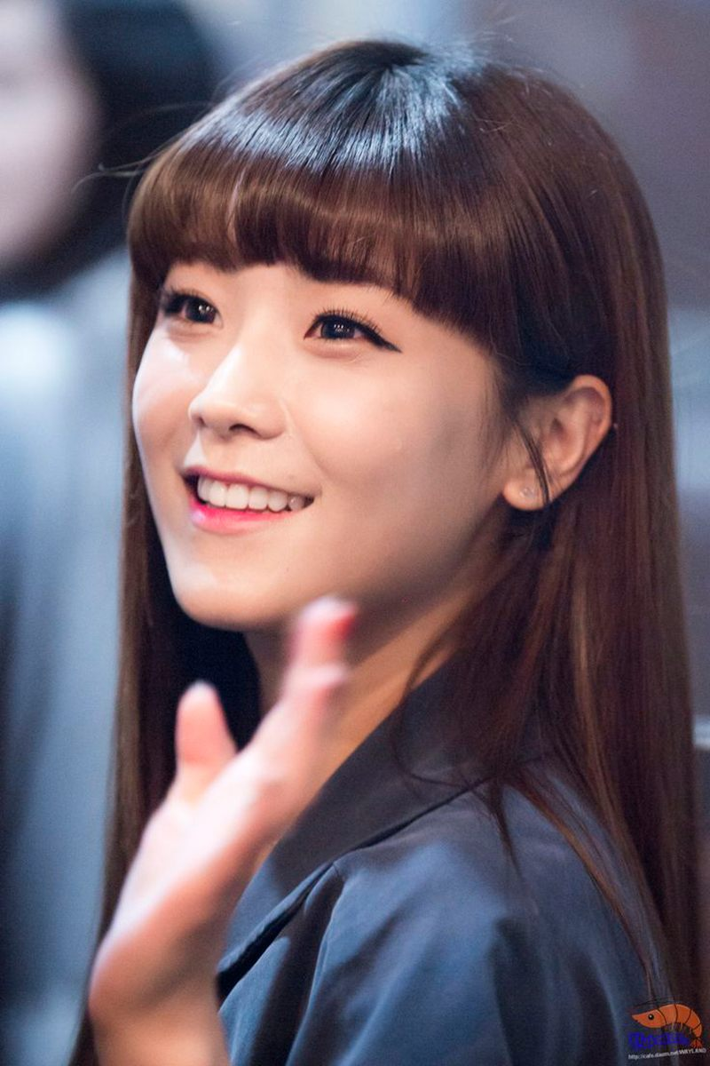 BREAKING] Crayon Pop Soyul is pregnant and having a baby