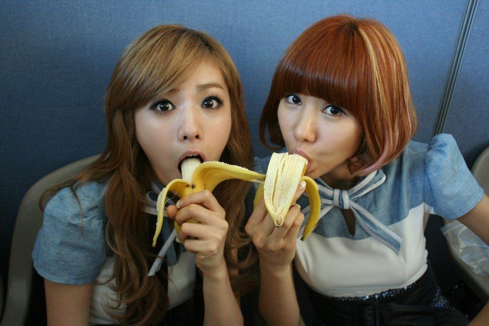 junior banana blowjob Japanese