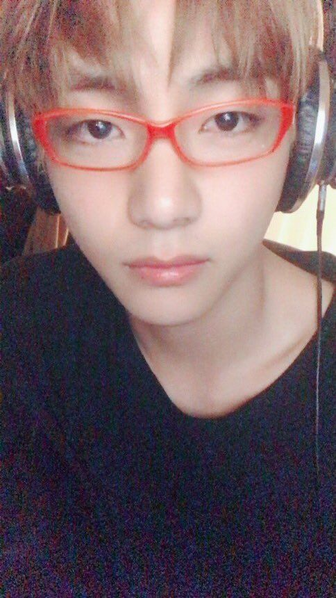 BTS V Accidentally Uploaded This Selfie And It's The Worst