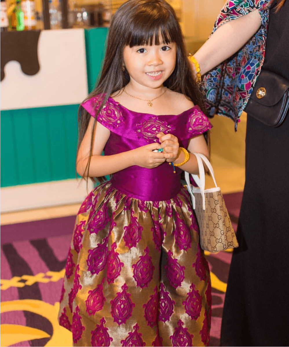 Korean 7-year-old Girl Becomes Celebrity In Dubai After