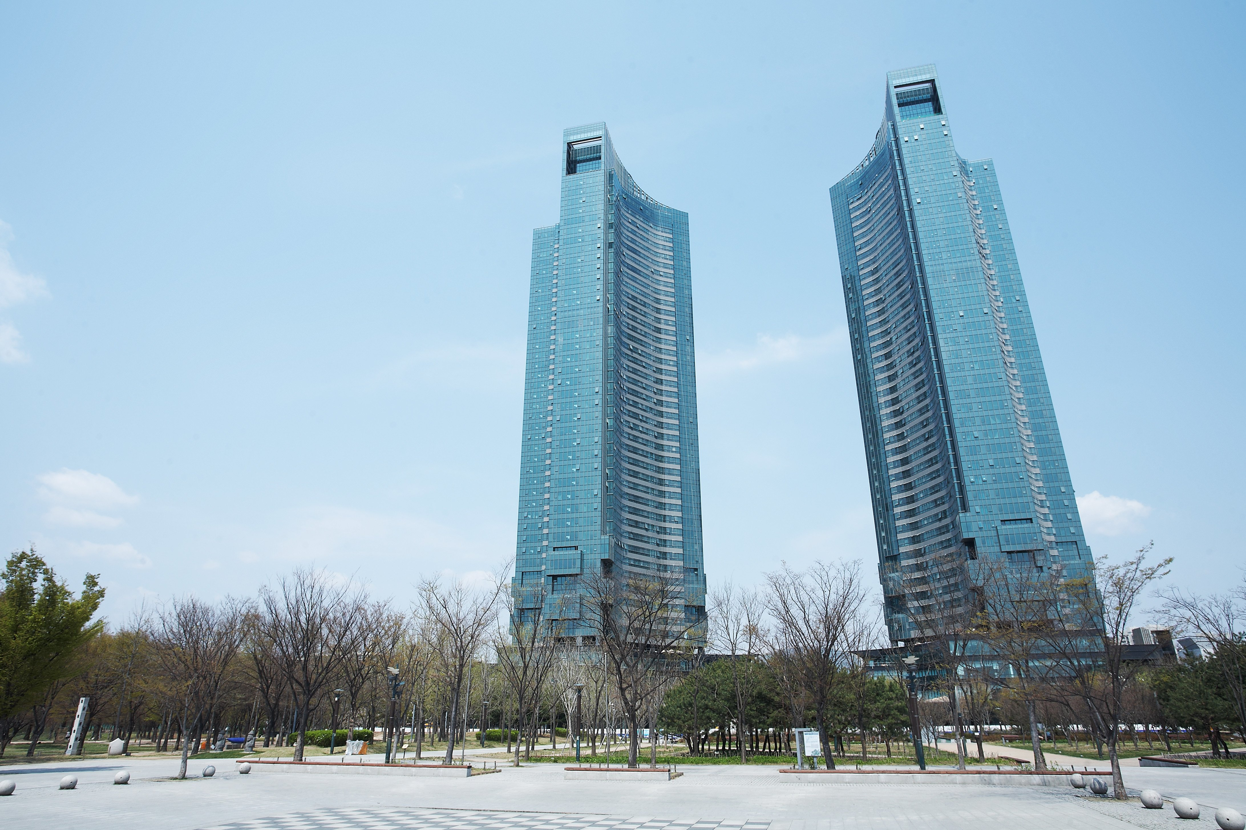 Many Korean Celebrities Live Here Such As G Dragon Kim Soo Hyun Lee Man And Even Han Ye Seul