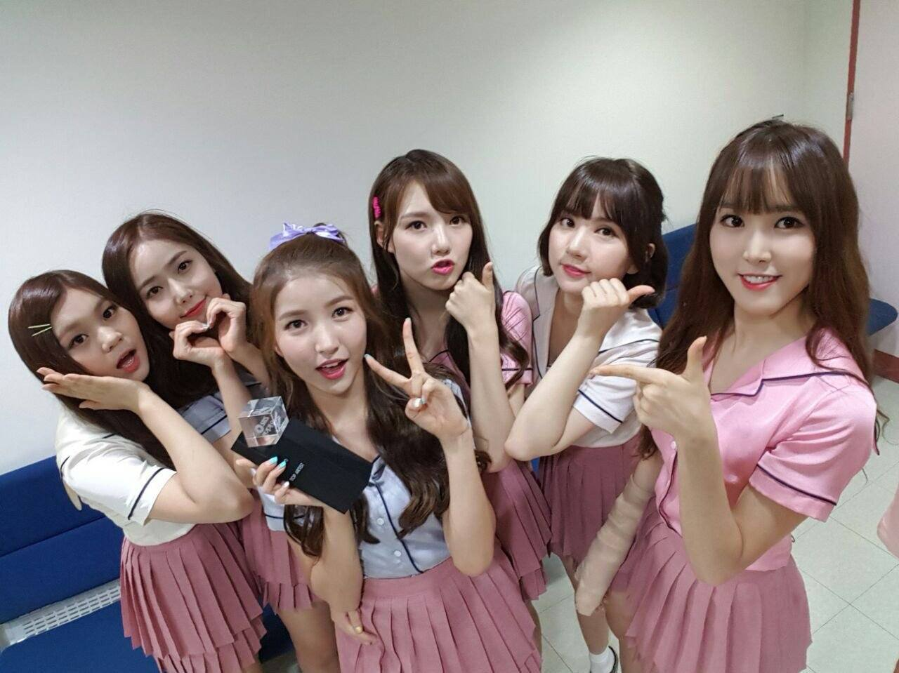 GFRIEND Created Their Own Ridiculous Choreography To Songs By Other Idols