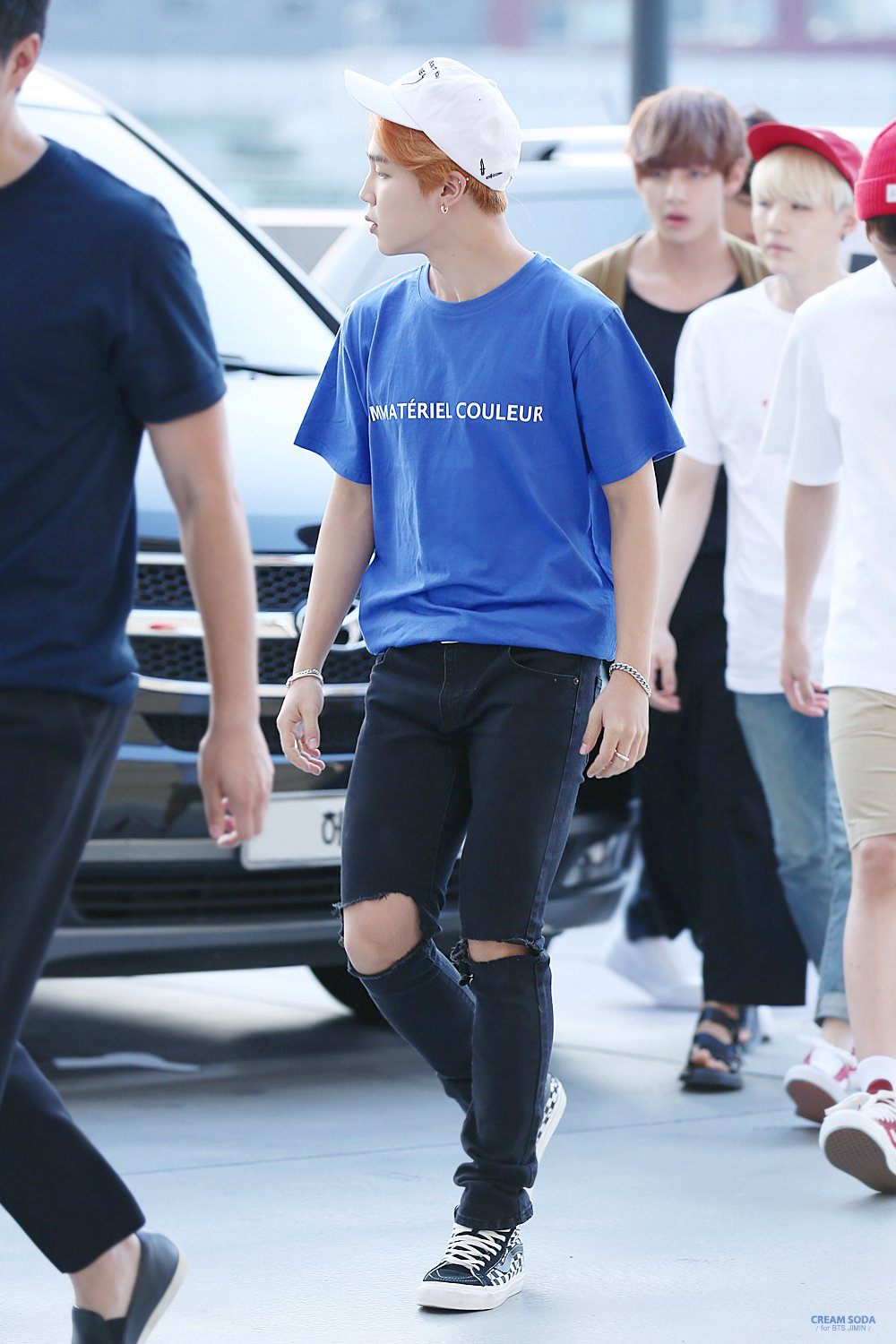 22 Pictures of BTS Jimin In Jeans You Didnu0026#39;t Know You Needed u2014 Koreaboo