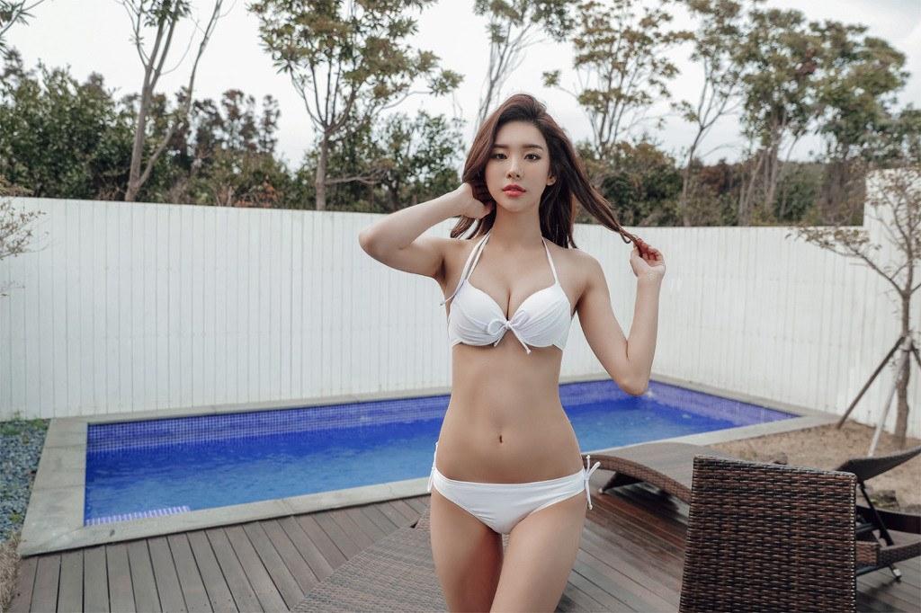 girl model Korean bikini