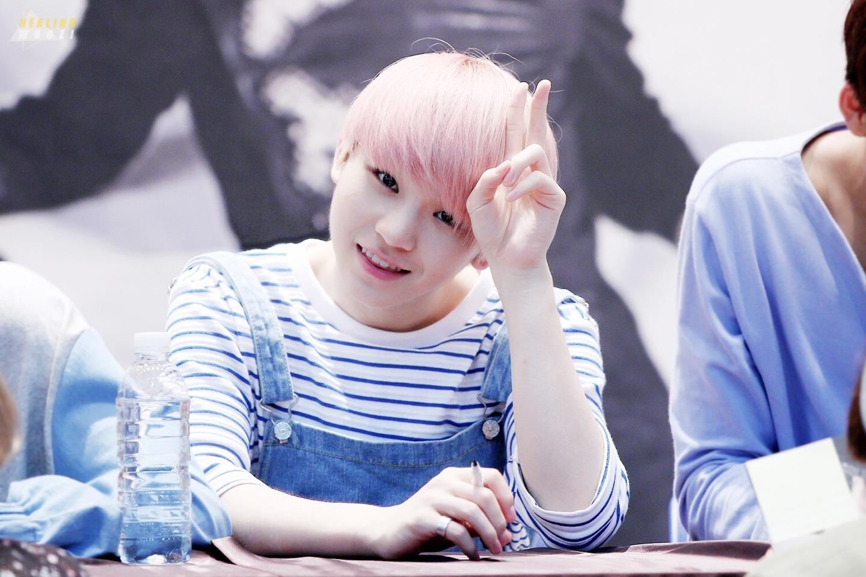 Light Blonde Hair Aesthetic