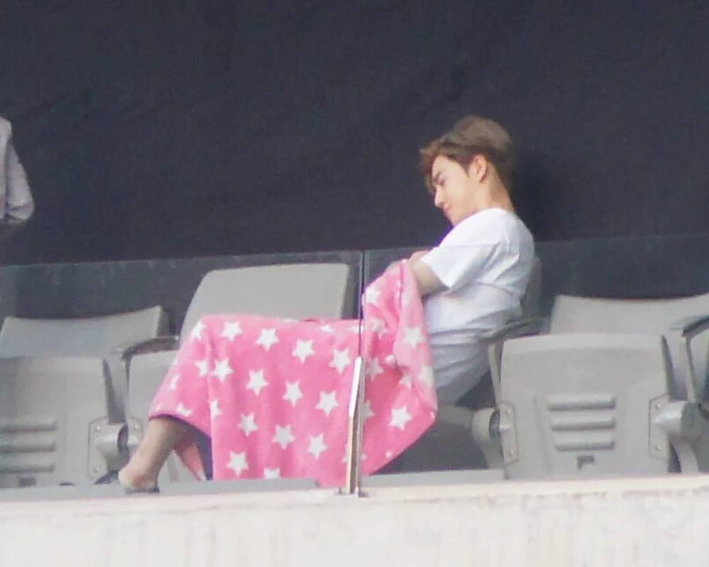 Heres What Staff Did When Suho Fell Asleep At The Dream Concert