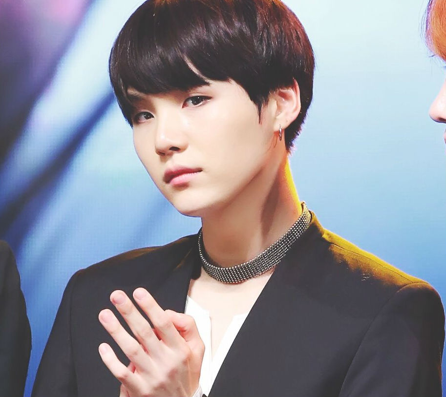 Bts Suga S Signature Pose Just Got Even Sexier Koreaboo